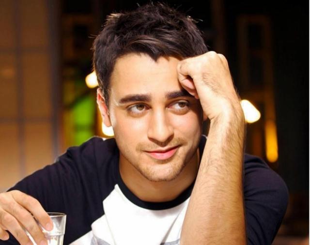 इमरान खान बोले- PAK कलाकारों पर बयान देकर घर नहीं है जलवाना