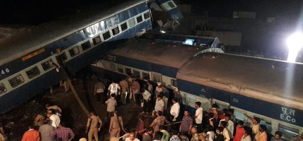 मुजफ्फरनगर हादसा: रेलवे के 8 कर्मचारियों पर गिरी गाज, बोर्ड के सदस्य जीएम-डीआरएम को छुट्टी पर भेजा