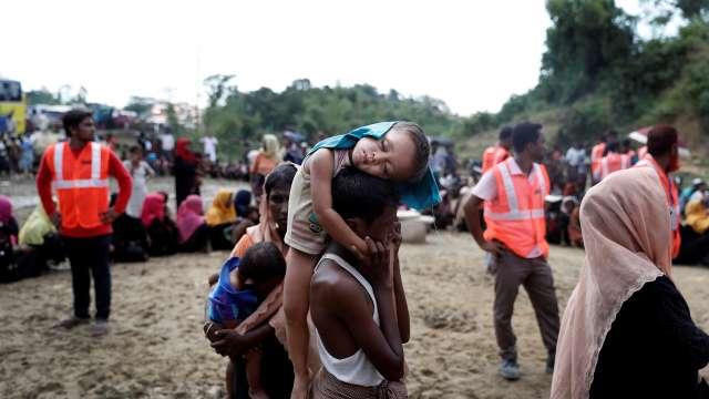 म्यांमार सेना का दावा, रोहिंग्या आतंकियों ने किया 28 हिंदुओं का नरसंहार