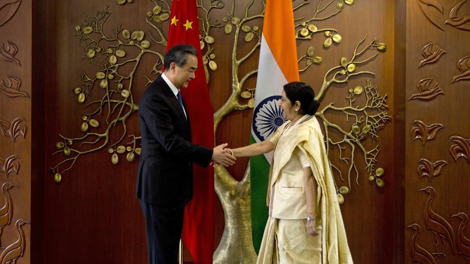 चीनी विदेश मंत्री से सुषमा स्वराज ने की मीटिंग, डोकलाम विवाद के बाद पहली अहम बैठक