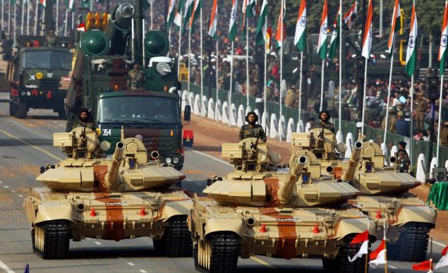 दुनिया में सबसे ज्यादा हथियार खरीदने वाला देश बना भारत, 5 बड़े सप्लायर्स देशों में शामिल हुआ चीन