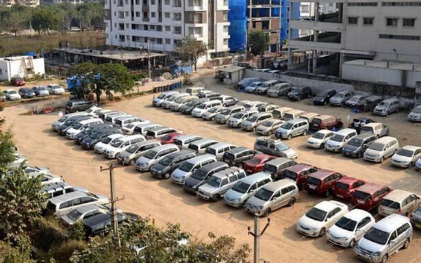 दिल्ली मेट्रो स्टेशनों पर पार्किंग हुई महंगी, 1 मई से लागू होंगी नई दरें