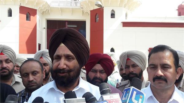 पंजाब: पद संभालते ही जेल मंत्री को जेल से ही कैदियों ने दी फोन पर बधाई