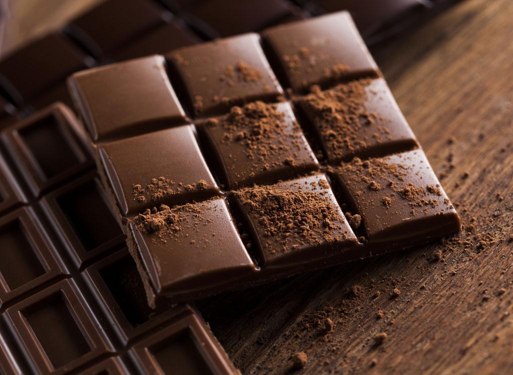 जानें क्या हैं डार्क चॉक्लेट खाने के ये नायाब फायदे