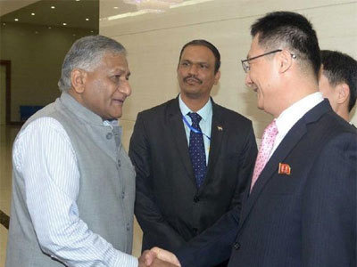भारत के विदेश राज्य मंत्री पहुंचे नॉर्थ कोरिया, 20 साल में किसी मंत्री का पहला दौरा