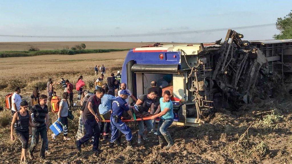 तुर्की में हुआ ट्रेन हादसा, 10 लोगों की हुई मौत, 70 से अधिक घायल