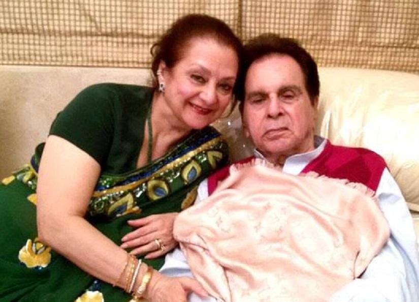 दिलीप कुमार की पत्नी हुई भावुक, फैन्स से मांगी उनके बेहतर स्वास्थ्य के लिए दुआएं