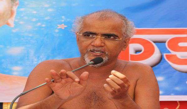 जैन मुनि तरुण सागर महाराज का निधन, पीएम मोदी ने जताया शोक