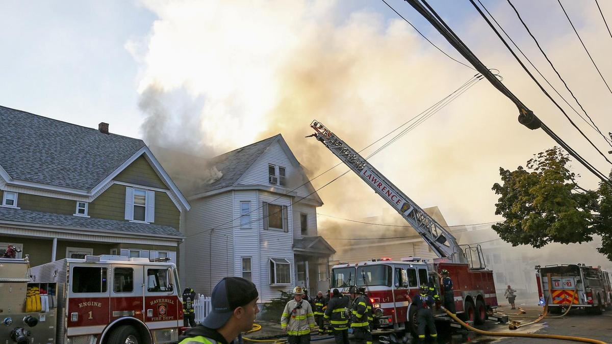 बोस्टन में गैस पाइपलाइन में आग लगने की वजह से 70 जगहों पर आग और धमाकों की रिपोर्ट, 10 लोग घायल