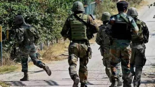 जम्मू-कश्मीर: शोपियां में 6 आतंकी ढेर, एक जवान शहीद