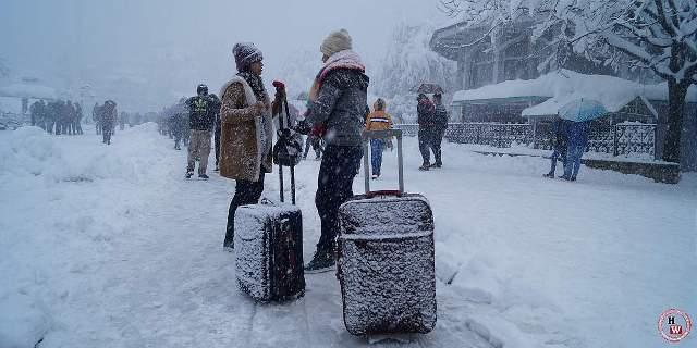 WHETHER REPORT:  शिमला, नारकंडा, कुफरी, मनाली और डलहौजी में बर्फबारी