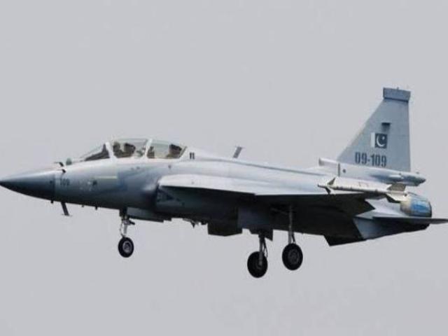 पाकिस्तान: JF-17 से 'स्मार्ट हथियार' का परीक्षण करते ही कहा- अब रात में भी दे सकते हैं जवाब