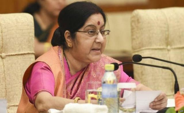 पाकिस्तान पर सुषमा स्वराज का बड़ा बयान, कहा-इमरान खान इतने उदार हैं तो मसूद अजहर को भारत को सौंपें