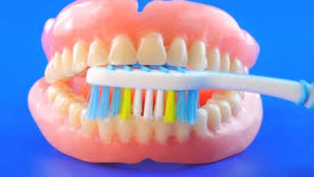 दांतों की सफाई न रखने से बढ जाता है इस बिमारी का खतरा