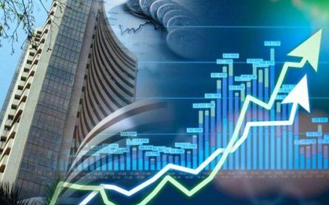 मतगणना के दिन शेयर बाजार की शानदार शुरुआत, सेंसेक्स 500 अंक की बढ़त के साथ खुला
