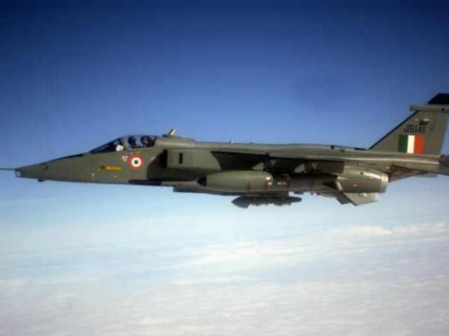 अंबाला एयरबेस पर IAF Jaguar क्रैश होने से बचा, पायलटों ने की इमरजेंसी लैंडिंग