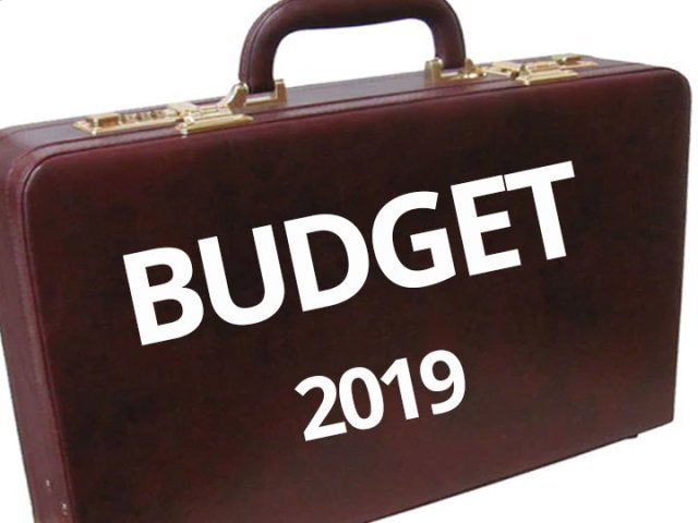BUDGET 2019: अमीरों पर सरकार ने लगाया सरचार्ज, 2 करोड़ से ज्यादा कमाई पर 3 फीसदी अतिरिक्त सरचार्ज