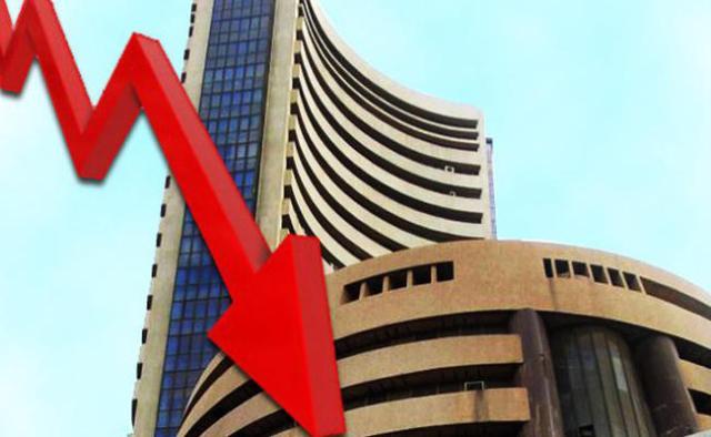 शेयर मार्केट में गिरावट, सेंसेक्स 613.60 अंक तो निफ्टी में 200 अंकों की गिरावट