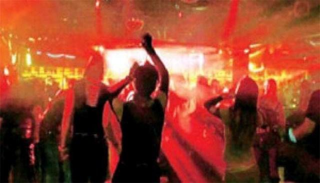 कुल्लू में पुलिस ने किया रेव पार्टी का भंडाफोड़, मौके से नशीले पदार्थ भी जब्त