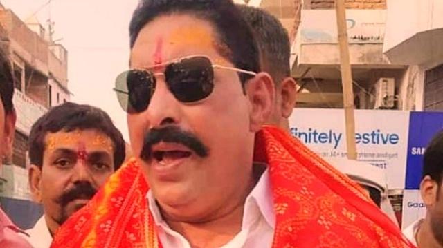 फरार विधायक अनंत सिंह ने साकेत कोर्ट में किया सरेंडर