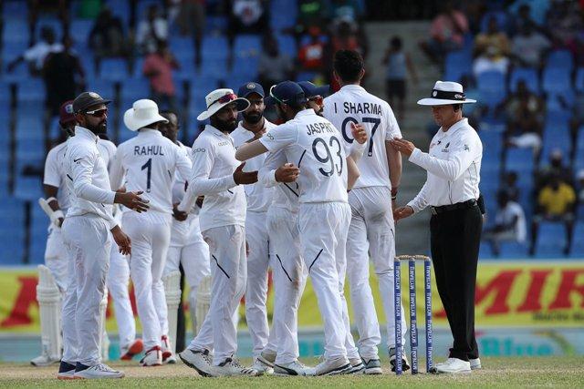 INDVSWI: भारत की वेस्टइंडीज पर आसान जीत, 318 रनों से दी मात