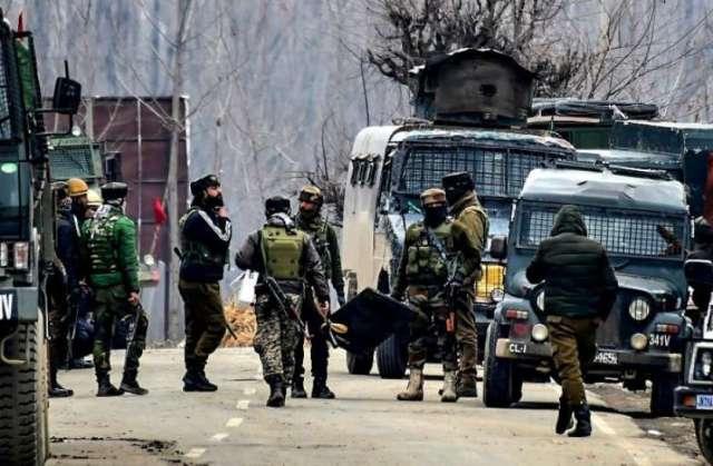 पंजाब-जम्मू बॉर्डर से पुलिस ने पकड़ा ट्रक, 6 एके 47 और लाख रुपए कैश बरामद, तीन गिरफ्तार