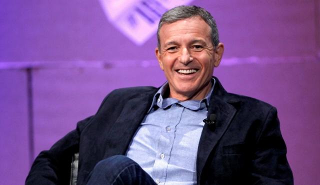 Disney के CEO बॉब आइगर ने दिया APPLE के बोर्ड ऑफ डायरेक्टर पद से इस्तीफा,ये बात बनी वजह