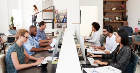 अगर ऑफिस में रोजाना 9 घंटे से ज्यादा समय तक बैठे रहते है तो है जान का खतरा