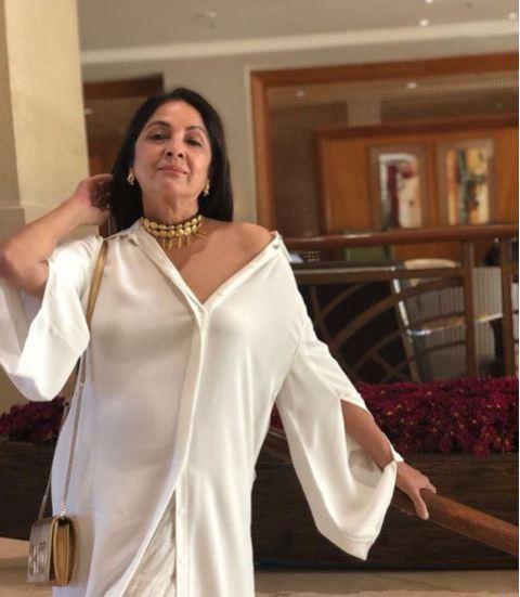 नीना गुप्ता को IIFFB 2019 में मिला सर्वश्रेष्ठ अभिनेत्री का पुरस्कार