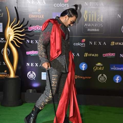 मुंबई में हुआ IIFA AWARDS2019, रणवीर सिंह ने बेस्ट एक्टर का अवार्ड जीता तो ये फिल्म रही बेस्ट