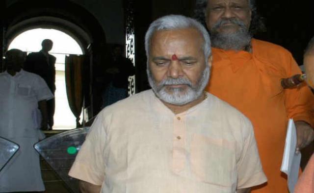 BJP नेता चिन्मयानंद को लॉ की छात्रा से बलात्कार के आरोप में कोर्ट ने 14 दिन के लिए भेजा जेल