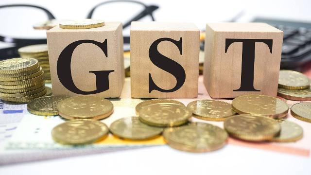सरकार ने कॉरपोरेट टैक्स में कटौती के बाद कई उत्पादों पर GST घटाई