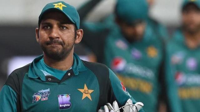 सरफराज अहमद को पाक टीम की कप्तानी से हटाया गया, इन्हे मिली अब टीम की कमान