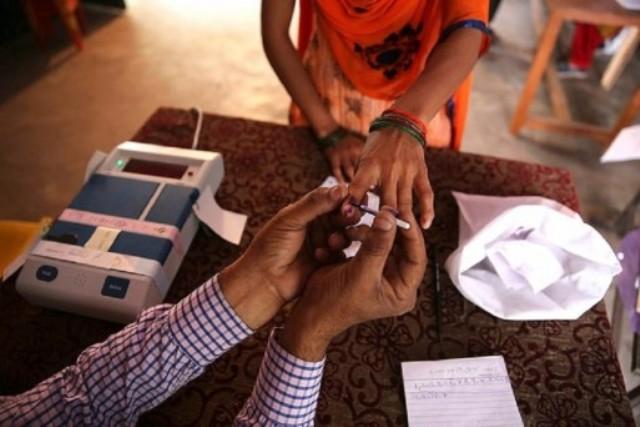 हिमाचल: विधानसभा उपचुनाव में 4 बजे तक पच्छाद में 59.39 और धर्मशाला में 52.18 प्रतिशत मतदान