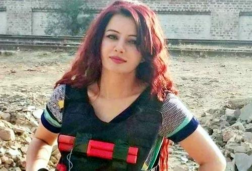 पाकिस्तानी सिंगर रबी पीरजादा अब बनी 'फिदायीन', लोगों ने कहा- फट मत जाना