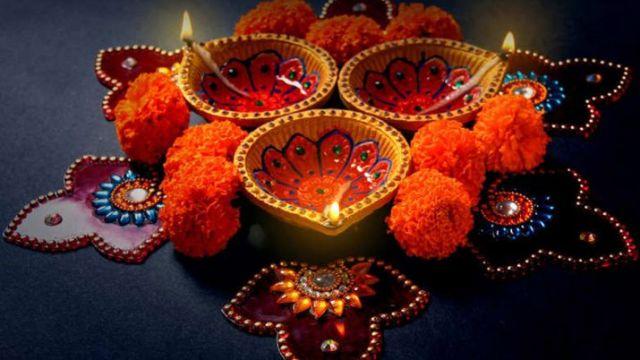 मनाया जा रहा है देशभर में धनतेरस का पर्व, जाने पूजा का शुभ मुहूर्त