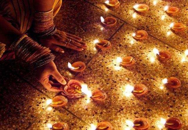 दिवाली से एक दिन पहले क्यों मनाई जाती है छोटी दिवाली