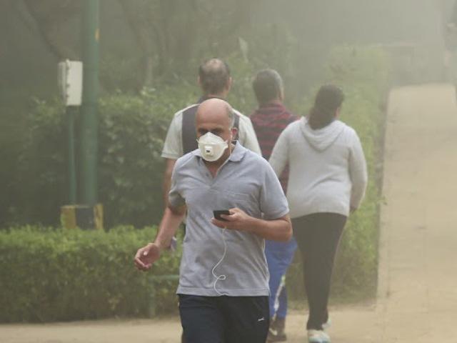 दिल्ली: प्रदूषण पर बुलाई गई संसदीय समिति की बैठक रद्द, नहीं पहुंचे सांसद-अधिकारी