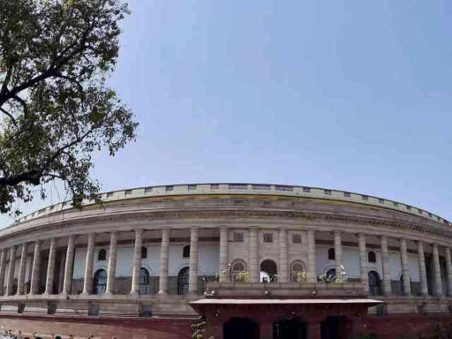 इलेक्टोरल बॉन्ड पर संसद में हंगामा, कांग्रेस ने किया वॉकआउट