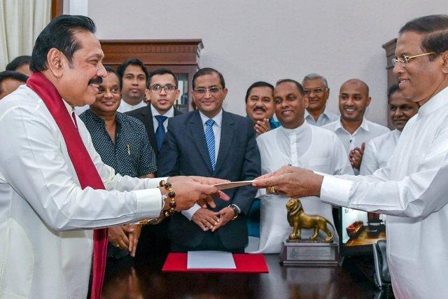 श्रीलंका: महिंद्रा राजपक्षे बनेंगे नए पीएम, छोटा भाई राष्ट्रपति और बड़ा प्रधानमंत्री
