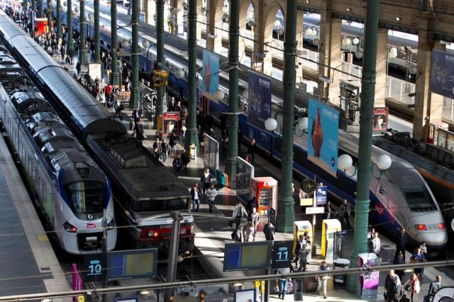 पेरिस: रेलवे स्टेशन पर बैग में मिला विस्फोटक, 40 मिनट बंद रही आवाजाही
