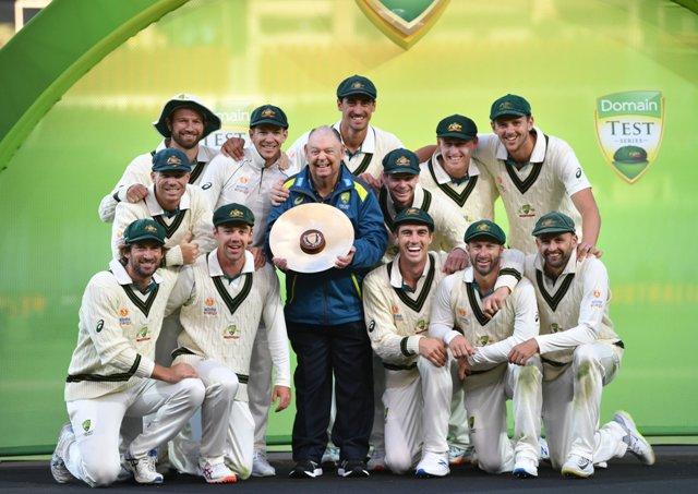 ऑस्ट्रेलिया ने पाक को पारी और 48 रनों से हराकर सीरीज में किया 2-0 से क्लीन स्वीप