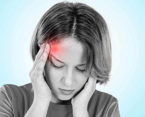 जानें क्या है माइग्रेन का दर्द, इसके कारण, लक्षण, इलाज
