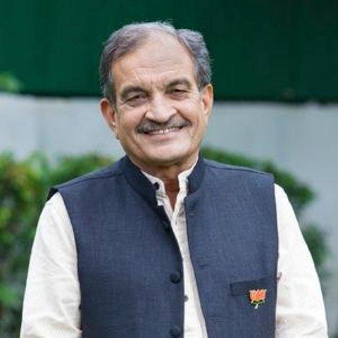 हरियाणा: पूर्व केंद्रीय मंत्री बीरेंद्र सिंह का राज्यसभा से दिया इस्तीफा मंजूर