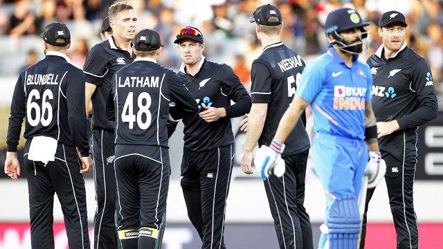 लगातार दूसरे मैच में 22 रनों से हारकर टीम इंडिया ने न्यूजीलैंड से सीरीज गंवाई