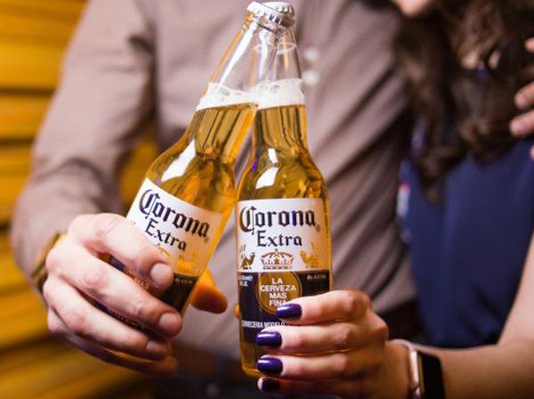 कोरोना वायरस के कारण इस बीयर ब्रांड को हुआ सबसे ज्यादा नुकसान !