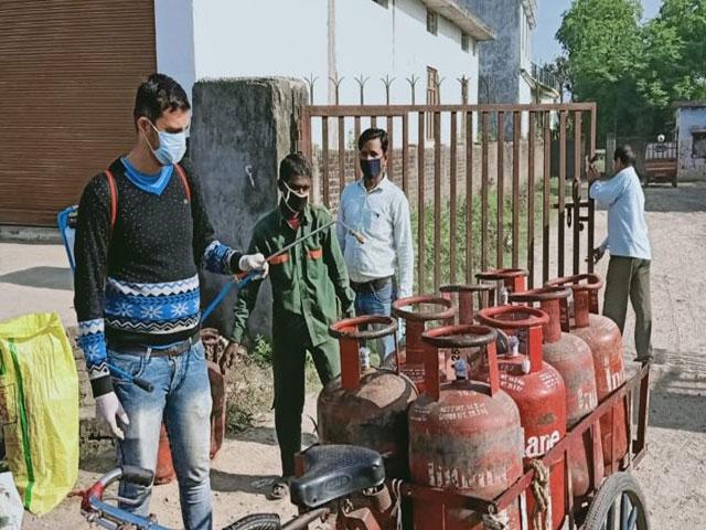 आज से 162 रुपए सस्ता हुआ रसोई गैस सिलेंडर, जानें कटौती के बाद किस राज्य में कितना है दाम