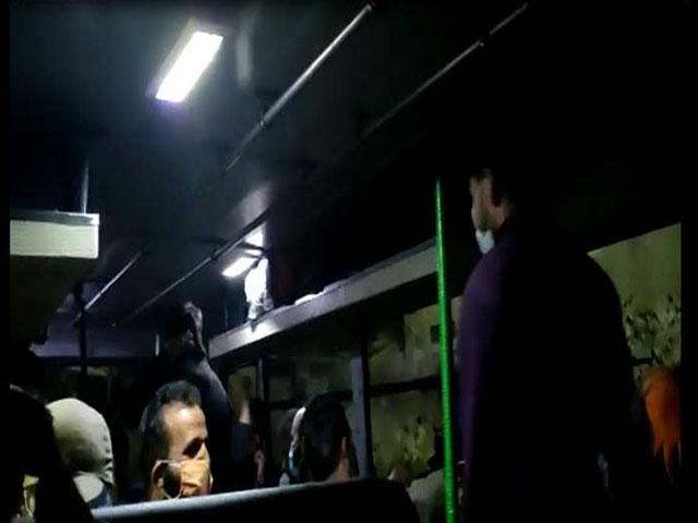 हिमाचल भवन में अपने घर लौटने के लिए बेताब लोगों ने सोशल डिस्टेंसिंग की उड़ाई धज्जियां