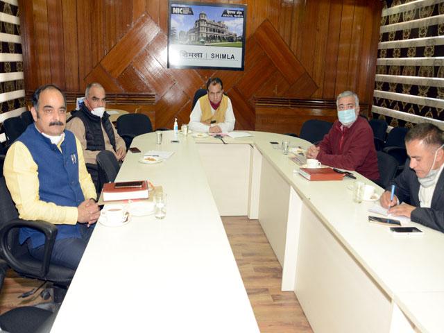 शिक्षा मंत्री ने वीडियो कांफ्रेंस के जरिए निजी स्कूलों के प्रधानाचार्यों व संचालकों के साथ की बैठक
