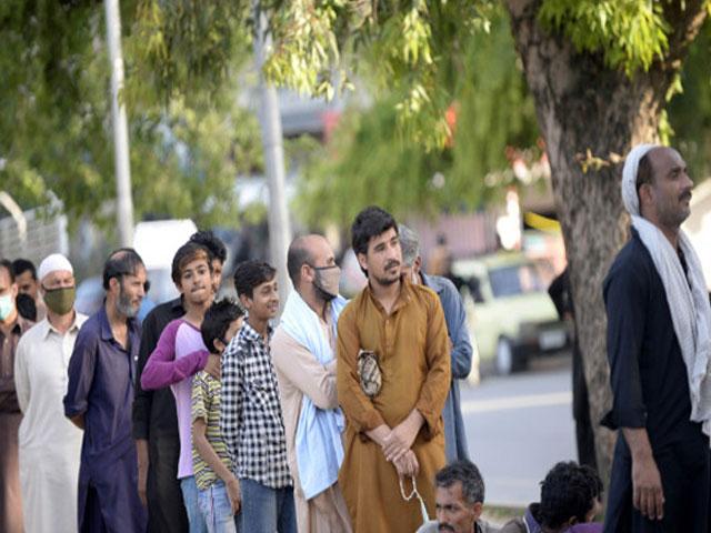 कोरोना वायरस महामारी के कारण पाकिस्तान में जा सकती हैं 30 लाख नौकरियां